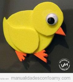 Manualidad en goma eva, pollito Diy Crafts Hacks, Diy And Crafts, Arts And Crafts, Diy Projects For Kids, Diy For Kids, Paper Airplane Game, Arte Punch, Farm Animal Crafts, Chicken Life