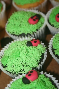 Cupcakes at a Ladybug Party #ladybug #partycupcakes