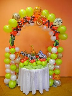 Balloon decoration at a Jungle Party