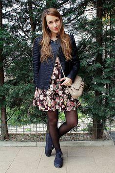 Blog: www.veryberrybee.com/2015/03/flower-dress.html  Shop: www.blubellbags.etsy.com