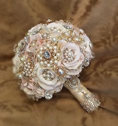 60 Beautiful Rose Gold Wedding Bouquet Ideas For Your Perfect Wedding Ceremony https://bridalore.com/2017/06/02/60-beautiful-rose-gold-wedding-bouquet-ideas-for-your-perfect-wedding-ceremony/