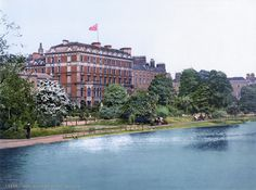 The Shelbourne hotel next to St. Stephens Green is one of Dublins top hotels. In the when this picture was taken it was even more imposing. The Green itself seems to have been more open the as well. And yes this is one of the pictures in the book. Haunted Hotel, Haunted Places, Haunted Castles, Belfast, Zeppelin, Shelbourne Hotel Dublin, Ireland Pictures, Top Hotels, Northern Ireland