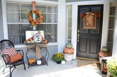 love this fall front porch