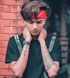Likes, Comments - 𝐢𝐧𝐟𝐥𝐮𝐞𝐧𝐜𝐞𝐫 Cute Boy Photo, Photo Poses For Boy, Boy Poses, Stylish Girls Photos, Stylish Boys, Girl Pictures, Girl Photos, Photoshoot Pose Boy, Stylish Tattoo