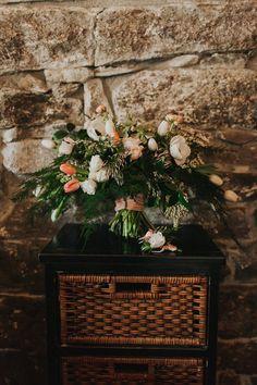 wedding bouquet ideas - photo by The More We See http://ruffledblog.com/cedar-lake-estate-wedding-inspiration