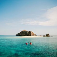 "Photographer Francisco Guerrero used a Canon EOD Mark III with a lens to capture two boatmen approaching Isla Walang Lang-aw (""Island Without Trees"") from the shore of Dimakya Island in the Philippines. Coastal Color Palettes, Coastal Colors, Beach Photography, Travel Photography, I Love The Beach, A Whole New World, Beach Scenes, A 17, Coastal Living"