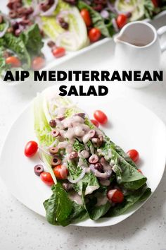 A simple recipe for an AIP Mediterranean Salad. Romaine lettuce is the base for lots of onions, tomatoes (AIP Reintroduction), kalamata olives and homemade Red Wine Vinaigrette Dressing. This recipe is allergy friendly and suits the autoimmune protocol (AIP) and paleo diets. Salad Recipes Gluten Free, Quick Lunch Recipes, Fodmap Recipes, Side Dish Recipes, Real Food Recipes, Healthy Recipes, Healthy Salads, Eating Healthy, Dinner Recipes