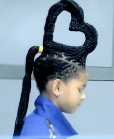 Willow Smiths Whip My Hair video hairstyle