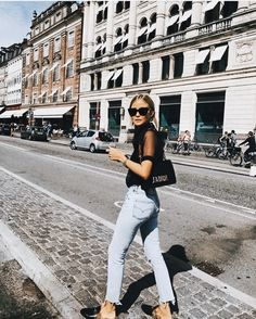 Style vintage fashion spring outfits 54 Ideas for 2019 Parisienne Chic, Couture Week, Look Fashion, Fashion Outfits, Womens Fashion, Fashion Heels, 90s Fashion, Pinterest Trends, Spring Summer Fashion