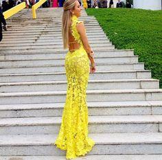 lindo vestido amarelo longo