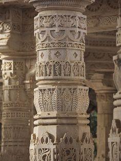 Indian Temple Architecture, India Architecture, Architecture Design, Ancient Architecture, Gothic Architecture, Pillar Design, Jain Temple, India Design, Temple Design