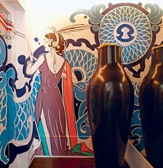 A maior ousadia do projeto da designer de interiores Carol Lovisaro é a fine art no hall do elevador, que tem perfume art déco e foi feita por Arthur de Camargo, da Analogic Love                                                                                                                                                     Mais