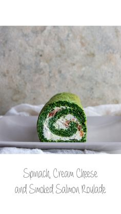 Either as a quick lunch or a fancy appetizer, this Spinach, cream cheese and salmon roulade will look great on your table and you'll definitely be asked for the recipe more than once! Check it out: Cream Cream, Sour Cream, Salmon Roulade, Roulade Recipe, Fancy Appetizers, Lemon Salmon, Bakewell, Creamed Spinach, Smoked Salmon
