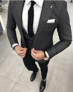 Worry no more my man! Because we've got the most Stylish Wedding Suit Styles For Nigerian Men which you could choose from the best naija men wedding suits styles of Wedding Suit Styles, Wedding Suits, Wedding Groom, Best Suits For Men, Cool Suits, Mens Fashion Suits, Mens Suits, Men's Fashion, Fashion Guide
