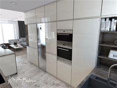 Funkčná elegancia - Dizajn kuchyne s obývačkou - Kristína Bedečová Living Room Kitchen, French Door Refrigerator, French Doors, Luster, Kitchen Appliances, Elegant, Kitchens, Diy Kitchen Appliances, Home Appliances