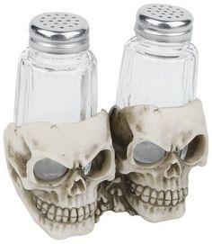 Salt og peberbøsser i dødningehovedholder  - glas - 14 x 10 x 12 cm