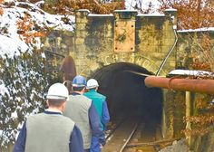 Медвеђа: Шта се догађа у руднику Леце?  МЕДВЕЂА, ЛЕЦЕ – Рудник Леце налази се у атару општине Медвеђа и прва производња у овом руднику забележена је још у доба старих Римљана. Иначе рудник је званично отварен 1931. године од стране компаније British Pacific. Рудник врши е�