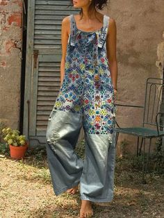 Floral Print Patchwork Ripped Denim Jumpsuit For Women Color:Light Blue Size:One Size Material:Cotton Pattern:Floral, Patchwork Sleeve Length:Sleeveless Occasion:Daily Casual Season:Spring, Summer, Autumn, Winter Denim Fashion, Boho Fashion, Diy Clothes, Clothes For Women, Black Overalls, Denim Overalls, Modelos Fashion, Denim Jumpsuit, Summer Jumpsuit