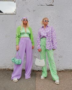 Lit Outfits, Purple Outfits, Colourful Outfits, Colorful Fashion, Pretty Outfits, Fashion Outfits, Color Combinations For Clothes, Rainbow Outfit, Style Minimaliste