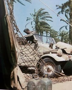 Afrika Korps Kubelwagen Type 82 during a stop in a oasis, pin by Paolo Marzioli North African Campaign, Erwin Rommel, German Soldiers Ww2, Afrika Korps, Cold War, Armed Forces, World War Two, Military Vehicles, Wwii