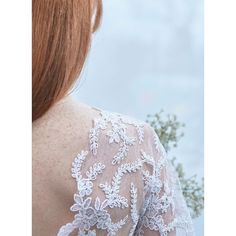 Tissu résille brodé fleurs lisière festonnée - Dentelle, Résille, Organza, Sequin - MODE Mondial Tissus