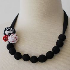 Cute and easy necklace
