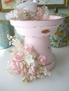 LOVE {OK I've seen a million of these done but in Shabby Pink it Rocks I'm doing this a lot} #shabbychic