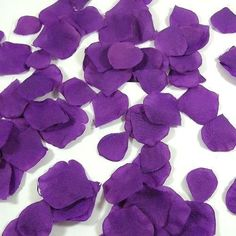 100 Rosenblätter aus Stoff lila purple Hochzeit Streublumen Blumenkinder Rosenblüten Tischdeko Deko-Streuschmuck http://www.amazon.de/dp/B00BIN84I8/ref=cm_sw_r_pi_dp_Lcyxvb1MPJR1K