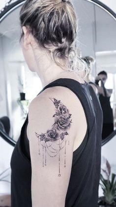 phoenix tattoos on back breathing flames phoenix tattoos. , - phoenix tattoos on back breathing flames phoenix tattoos… , , - Beautiful Tattoos For Women, Tattoos For Women Small, Small Tattoos, Beautiful Body, Flower Tattoo Back, Back Tattoo, Flower Tattoos, Tree Tattoos, Elegant Tattoos