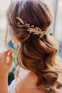 Cool 24 Timeless Wedding Hairstyles For Medium Length Hair ❤ See more: www.weddingforwar… #weddings #hairstyles  The post  24 Timeless Wedding Hairstyles For Medium Lengt ..