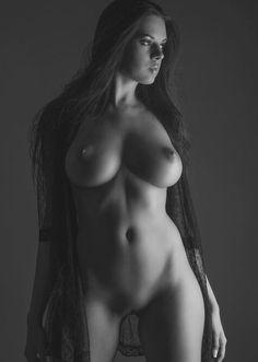 sophia miacova nude