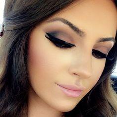 ✨vartap✨ Beauty Makeup Tips, Makeup Goals, Glam Makeup, Beauty Make Up, Makeup Inspo, Bridal Makeup, Eye Makeup, Hair Makeup, Sexy Smokey Eye