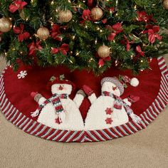 Cheerful Snowmen Christmas Tree Skirt