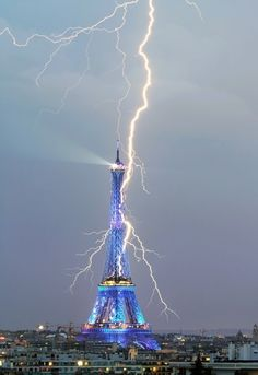 Lightning in Paris