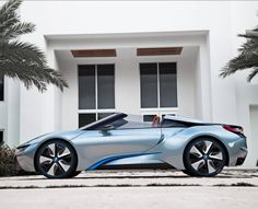 The sexiest #Hybrid ever! #BMW I8 Design And Performance explained In stunning new videos. Click to view....