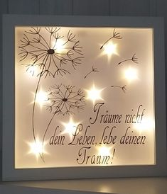 This beautiful illuminated picture frame is a real eye-catcher. Also unlit an absolute eye-catcher. The white frame has a size of about cm. Battery Powered Led Lights, Licht Box, Manualidades Halloween, Light Chain, Shadow Box, Picture Frames, Diy And Crafts, Pictures, Vintage