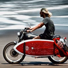 Motorcycle+Surfboard=living the dream!