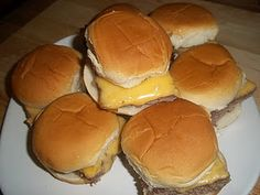 White Castle Sliders: So close to the real thing, and super easy to make at home.  |  Everyday Mom's Meals