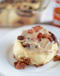 Bacon Maple Cinnamon Rolls by www.crazyforcrust.com #breakfast #maple #bacon