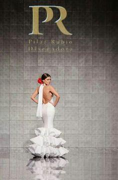 Diseñadora Pilar Rubio Tlf. 663441944