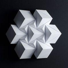 Paolo Bascetta 2016.  #origami #bascetta #bascettastar #carta #cubi #cubes #tessellations #tassellazioni #tesselletion #paper