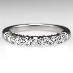 Stunning A spectacular Tiffany u Co shared setting wedding band ring in solid platinum
