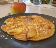 Apfelpfannkuchen Recipe (German Apple Pancakes) use regular sugar and add tsp baking soda. Apple Pancake Recipe, German Apple Pancake, German Pancakes, Alsace, Breakfast Dishes, Breakfast Recipes, Breakfast Items, Dinner Recipes, Crepes