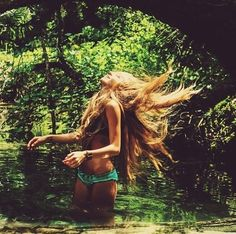 Uploaded by Camila Alderete. Find images and videos about girl, hair and summer on We Heart It - the app to get lost in what you love. Summer Heat, Summer Sun, Summer Of Love, Summer Vibes, Summer 2014, Summer Days, Permaculture, Hair Flip, Looks Style