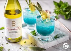 Wine Cocktails, Cocktail Recipes, Drinks, Cocktail Umbrellas, Blue Curacao, Pineapple Juice, Vodka, Bottle, Drinking