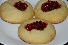 debbie does handmade: Tasty Tuesday with my thermomix: jam drops Jam Drops Recipe, Bellini Recipe, Thermomix Desserts, Biscuit Cookies, Delish, Biscuits, Cheesecake, Cooking Recipes, Tasty