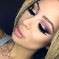 #ShareIG #vanitymakeup lashes by @minkwinklashes brow wiz in taupe @anastasiabeverlyhills Amrezy palette on eyes #anastasiabeverlyhills