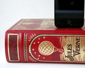 iPhone charger Jules Verne