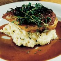 Kyllingbryst med potet- og selleripuré og portvinssaus -