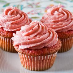 Strawberry cupcake recipe. Calls for gelatin and fruit, so you could use any flavor you want.